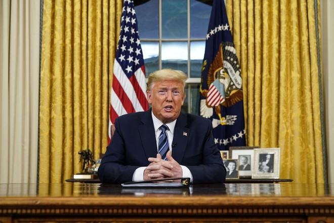 Tổng thống Donald Trump thực hiện các biện pháp mạnh tay nhằm ngăn chặn đại dịch Covid-19