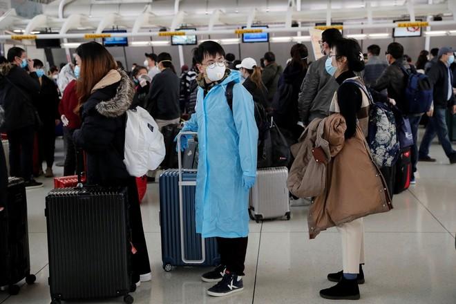 Người nhập cảnh phải chờ nhiều giờ đồng hồ ở các sân bay Mỹ