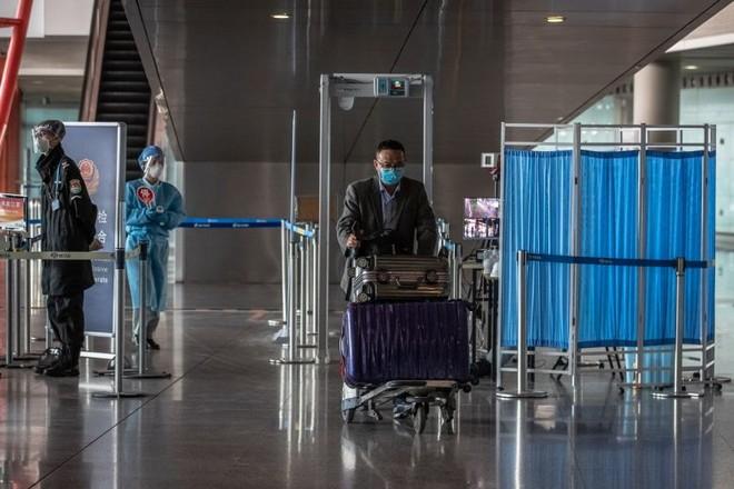 Rất nhiều người trở về Trung Quốc từ nước ngoài đang nhiễm virus SARS-CoV-2