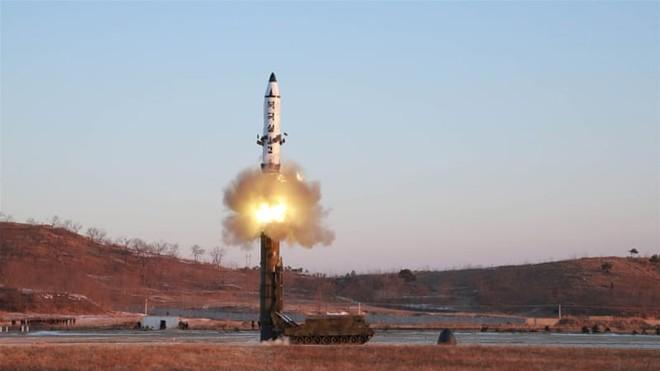 Triều Tiên liên tiếp phóng tên lửa ra biển trong tháng 3