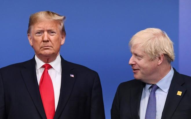 Tổng thống Donald Trump lo lắng cho sức khỏe của ông Johnson