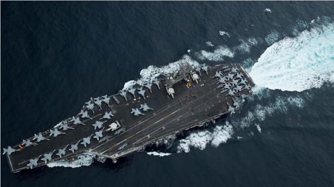 Tàu sân bay USS Theodore Roosevelt đã có gần 600 thủy thủ dương tính với Covid-19