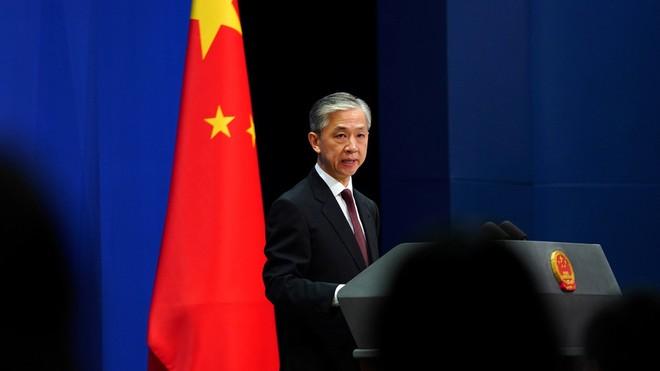Người phát ngôn Bộ Ngoại giao Trung Quốc Uông Văn Bân công bố đình chỉ hiệp ước dẫn độ giữa Hong Kong với Anh, Canada, Australia