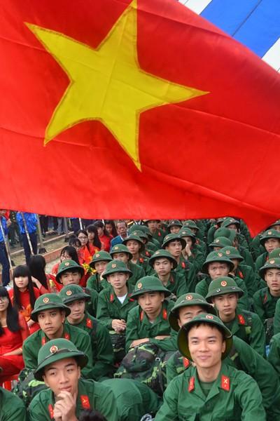 Bí thư Thành uỷ Phạm Quang Nghị động viên tân binh lên đường nhập ngũ ảnh 4
