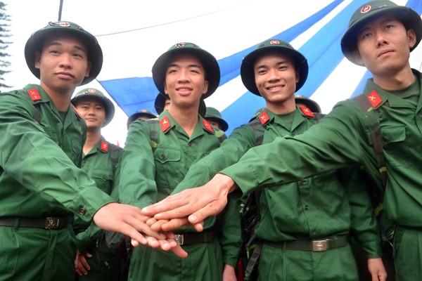 Bí thư Thành uỷ Phạm Quang Nghị động viên tân binh lên đường nhập ngũ ảnh 8