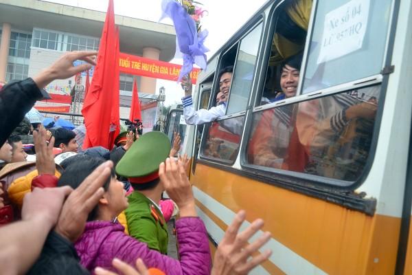 Bí thư Thành uỷ Phạm Quang Nghị động viên tân binh lên đường nhập ngũ ảnh 9