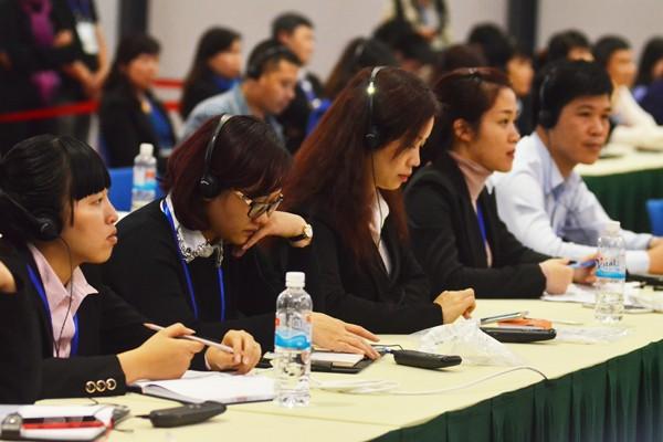 Đông đảo phóng viên tham gia buổi họp báo quốc tế