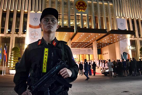 Xem Công an Hà Nội dẫn đoàn, đảm bảo an ninh Lễ Khai mạc IPU 132 ảnh 9