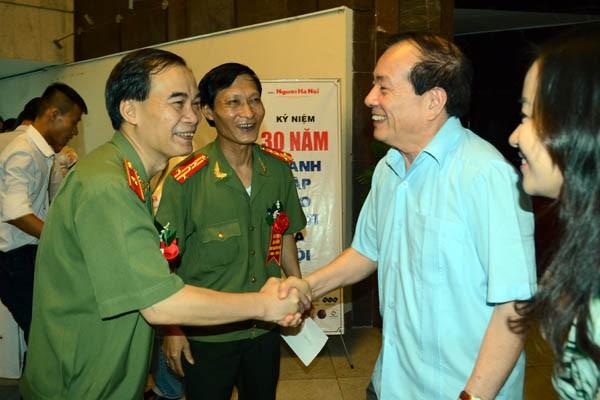 Lãnh đạo CATP Hà Nội thăm, chúc mừng các cơ quan báo chí ảnh 6