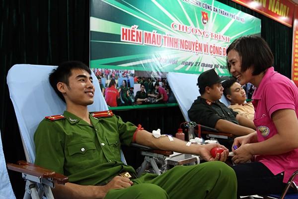Tuổi trẻ Công an Thủ đô hiến máu vì cộng đồng: Một giọt máu cho đi... ảnh 9