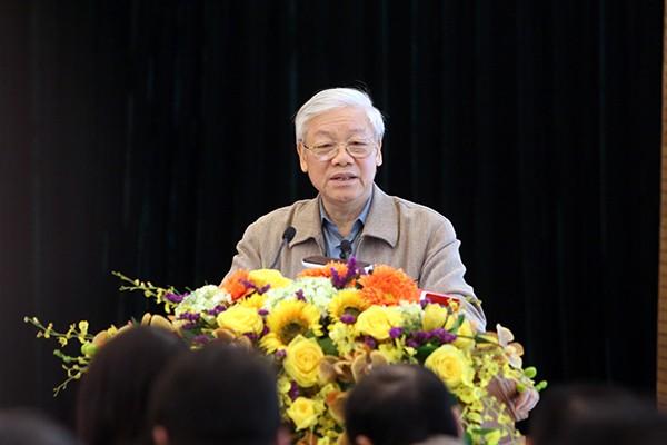Tổng Bí thư Nguyễn Phú Trọng trao đổi cùng các cử tri