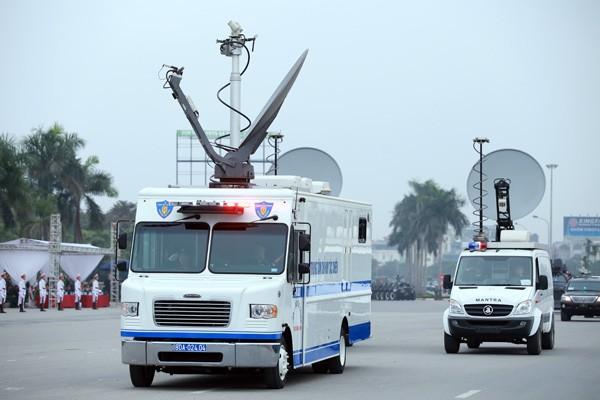 Trực thăng và dàn xe khủng tham gia bảo vệ Đại hội Đảng XII ảnh 2