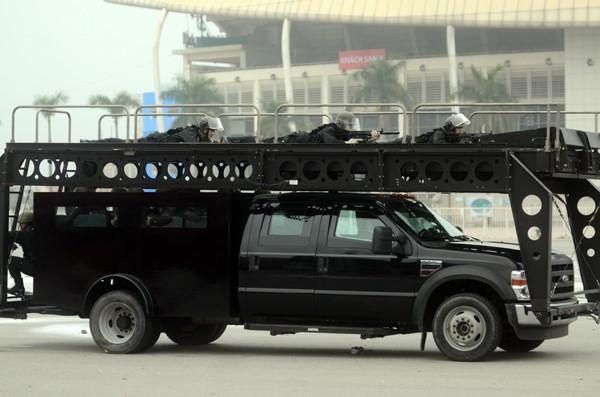 Trực thăng và dàn xe khủng tham gia bảo vệ Đại hội Đảng XII ảnh 6