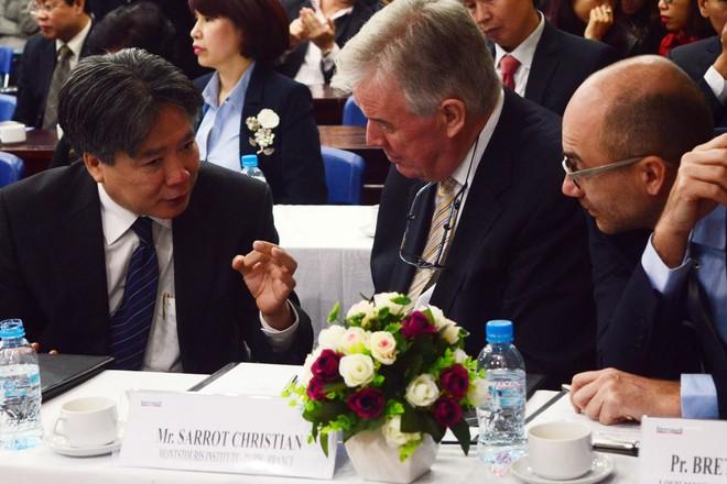 4 giáo sư hàng đầu thế giới chuyển giao công nghệ tiên tiến cho ngành y tế Việt Nam ảnh 3
