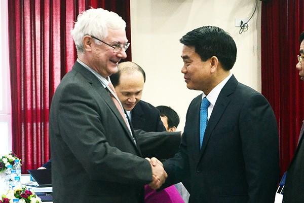 4 giáo sư hàng đầu thế giới chuyển giao công nghệ tiên tiến cho ngành y tế Việt Nam ảnh 2
