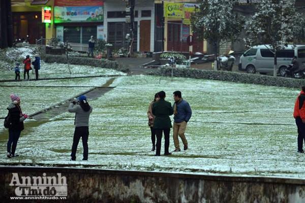 Ngắm những hình ảnh băng tuyết đầu tiên tại Sapa ảnh 3