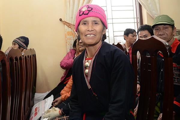 Chủ tịch UBND TP.Hà Nội Nguyễn Đức Chung tặng quà tết hộ nghèo xã miền núi Ba Vì ảnh 4