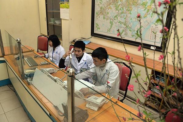Bí thư Thành ủy Hoàng Trung Hải thăm hỏi, động viên các đơn vị ứng trực phục vụ nhân dân dịp Tết ảnh 8