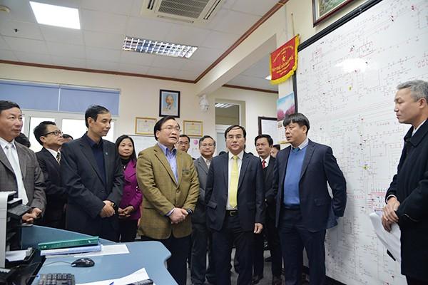 Bí thư Thành ủy Hoàng Trung Hải thăm hỏi, động viên các đơn vị ứng trực phục vụ nhân dân dịp Tết ảnh 10