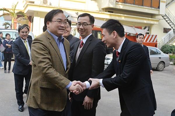 Bí thư Thành ủy Hoàng Trung Hải thăm hỏi, động viên các đơn vị ứng trực phục vụ nhân dân dịp Tết ảnh 9