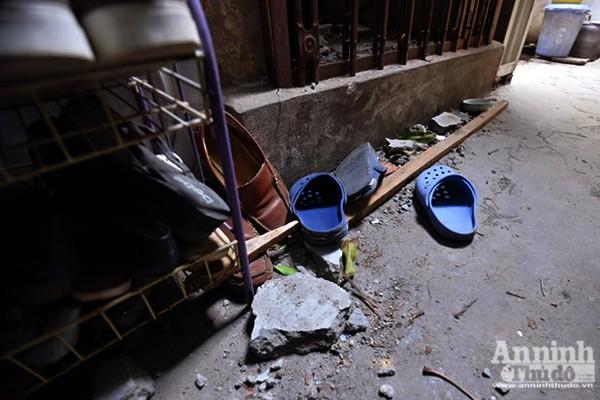 Bê tông bỗng nhiên...rơi xuống mái nhà, nhiều người thoát chết ảnh 5