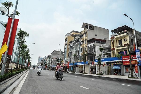 Cận cảnh tuyến đường đô thị kiểu mẫu tại Hà Nội trước ngày khánh thành ảnh 7