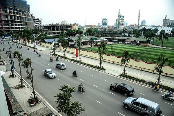Cận cảnh tuyến đường đô thị kiểu mẫu tại Hà Nội trước ngày khánh thành ảnh 1