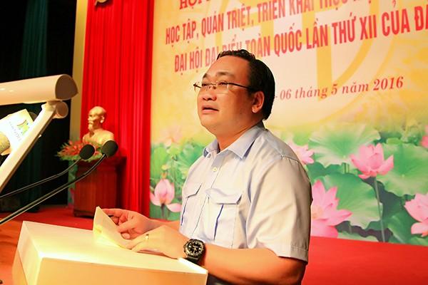 Bí thư Thành uỷ Hoàng Trung Hải phát biểu bế mạc hội nghị