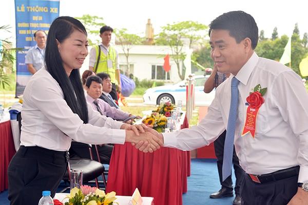 Lãnh đạo TP Hà Nội và tỉnh Vĩnh Phúc dự lễ thông xe