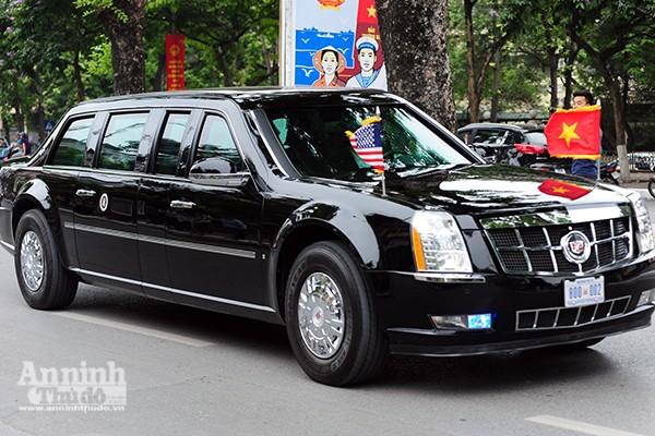 Cận cảnh dàn xe chuyên dụng, chống đạn chở Tổng thống Mỹ ảnh 3
