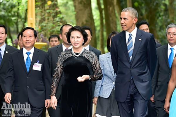 Nụ cười ấn tượng của Tổng thống Mỹ Obama tại Hà Nội ảnh 2