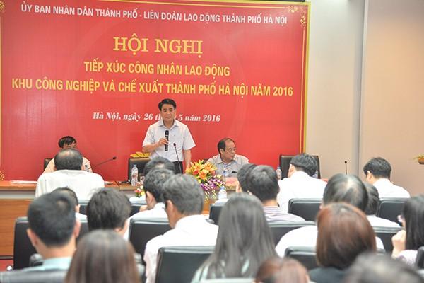 Chủ tịch UBND TP Nguyễn Đức Chung công khai số điện thoại cá nhân để công nhân phản ánh bức xúc ảnh 1