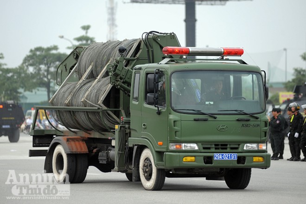 """Cận cảnh những trang thiết bị """"khủng"""" của Cảnh sát cơ động Hà Nội ảnh 14"""