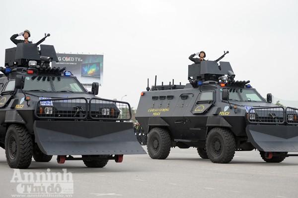 """Cận cảnh những trang thiết bị """"khủng"""" của Cảnh sát cơ động Hà Nội ảnh 12"""