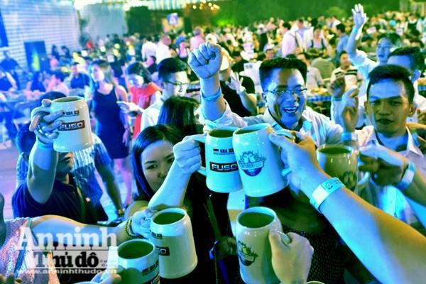 Sôi động lễ hội bia Đức tại Hà Nội ảnh 4