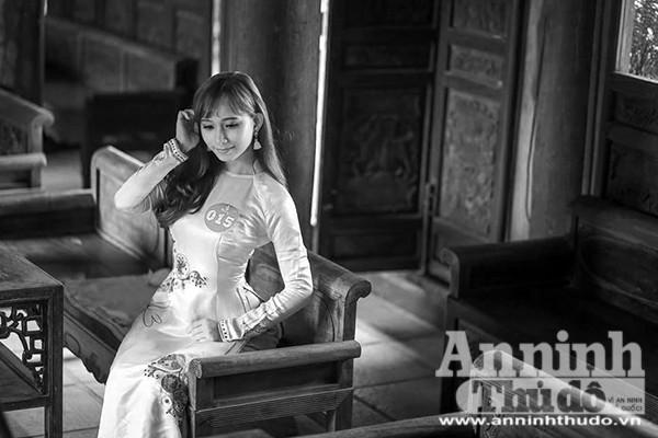 Nữ sinh duyên dáng, mang những nét e ấp đậm chất Hà Nội