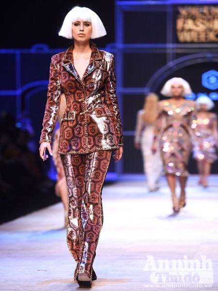 Ngắm Thanh Hằng, Tóc Tiên kiêu sa trên sân khấu Tuần lễ thời trang quốc tế Việt Nam Thu - Đông 2016 ảnh 11