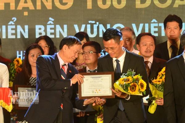 Công ty CP Tập đoàn đầu tư Thăng Long nhận giải doanh nghiệp phát triển bền vững.