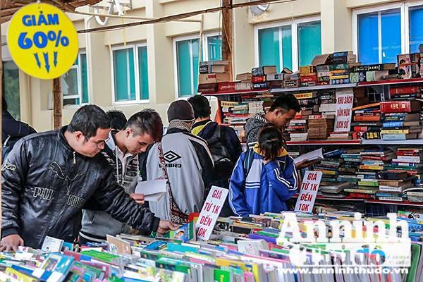 Độc giả sẽ có cơ hội sở hữu nhiều đầu sách hay thuộc nhiều thể loại khác nhau: Văn học, triết học, đại lý, y học…với giá rất rẻ