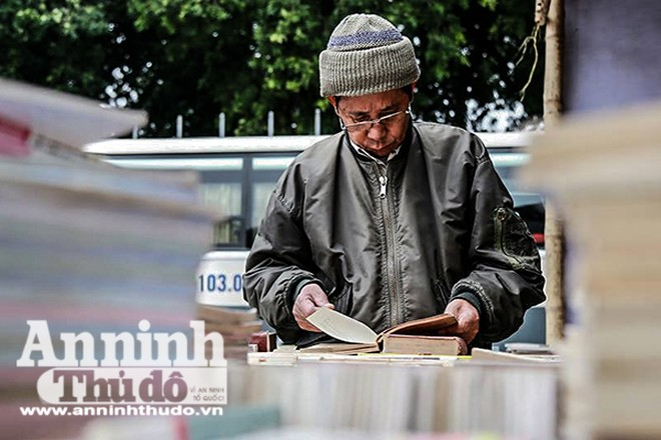 Đây cũng là dịp giúp cho nhiều độc giả có thêm cơ hội tìm kiếm cho mình những đầu sách hay, sách quý từ lâu đã vắng bóng trên thị trường