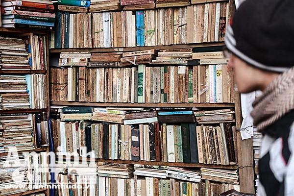 Mỗi cuốn sách cũ đều mang theo mình những câu chuyện và số phận riêng