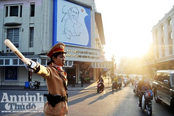 Từ một ngã tư đường phố - hình ảnh thân thuộc với người dân Hà Nội