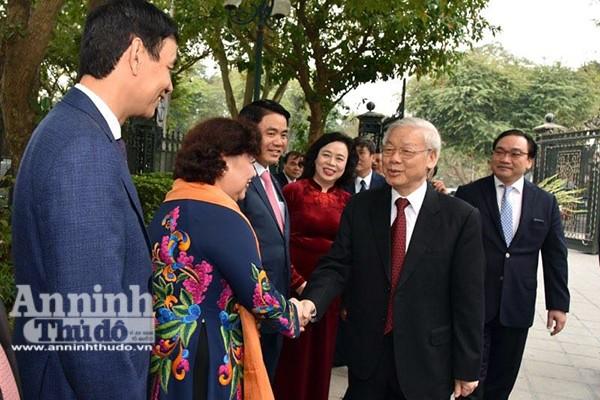 Tổng Bí thư Nguyễn Phú Trọng chúc tết Đảng bộ, chính quyền và nhân dân Thủ đô ảnh 1