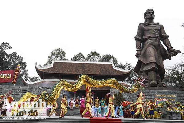 Đã thành thông lệ, vào ngày mùng 5 Tết Nguyên đán hằng năm, Lễ hội Gò Đống Đa, một trong những lễ hội lớn đầu xuân của Thủ đô Hà Nội, tưởng niệm Hoàng đế Quang Trung và chiến thắng Ngọc Hồi - Đống Đa lại được tổ chức.