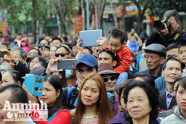 Hàng nghìn người nô nức khai hội Gò Đống Đa ảnh 8
