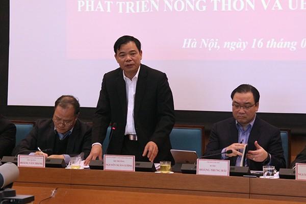 Bộ trưởng Bộ NN&PTNT Nguyễn Xuân Cường phát biểu tại buổi làm việc