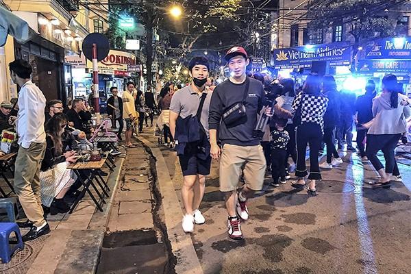 Tuyến phố đi bộ ở Hà Nội đang là điểm đến yêu thích của du khách