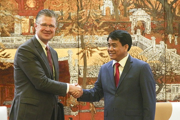 Chủ tịch UBND TP Nguyễn Đức Chung trân trọng đón tiếp ngài Daniel Kritenbrink - tân Đại sứ Mỹ tại Việt Nam.