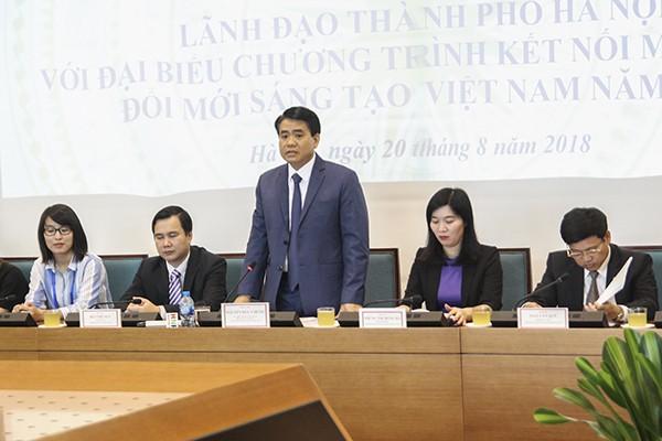 Chủ tịch UBND TP Hà Nội Nguyễn Đức Chung trao đổi với các chuyên gia, nhà khoa học Việt Nam ở nước ngoài