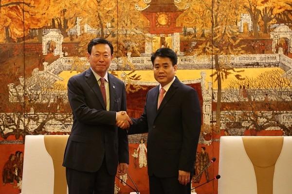 Chủ tịch UBND TP Hà Nội trân trọng đón tiếp ông Shin Dong Bin, Chủ tịch Tập đoàn Lotte Hàn